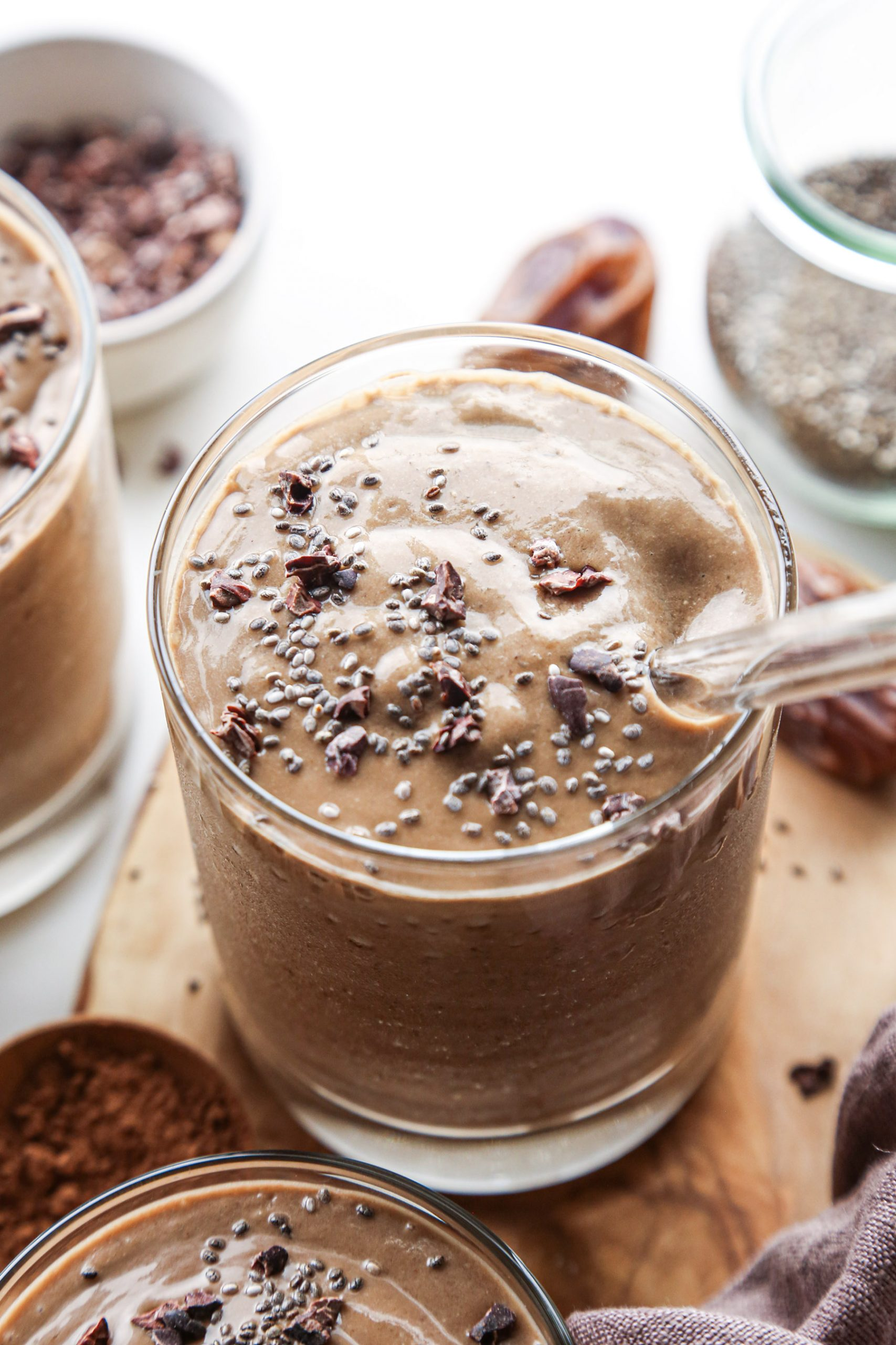 Chocolate Avocado Smoothie | Vegan and free of refined sugar
