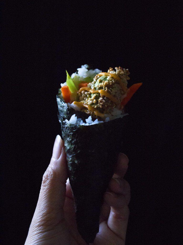 Crunch Avocado Hand Rolls   Gluten and dairy free, vegan, & vegetarian sushi