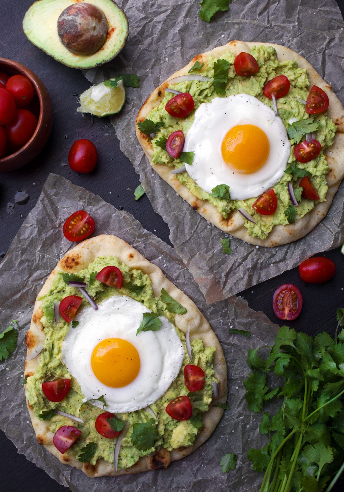 Guacamole Breakfast Pizzas | Quick, healthy, and delicious!