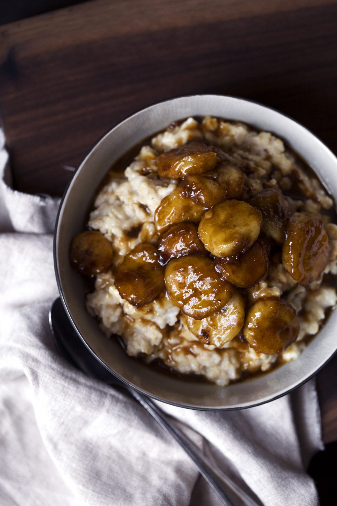 Bananas Foster Oatmeal | Vegan and refined sugar free