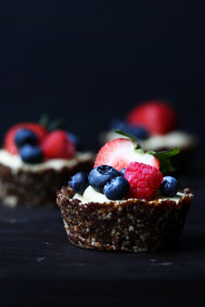 Raw Citrus Berry Tarts | Free of dairy, gluten, grain, and refined sugar!
