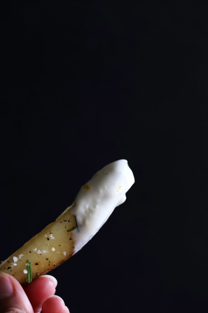 Crispy Baked Rosemary Fries with Vegan Lemon-Garlic Aioli