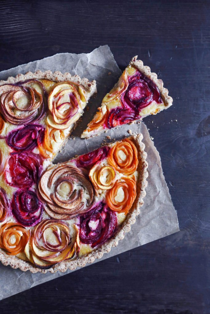 Stone Fruit Almond Tart | Free of gluten and refined sugar