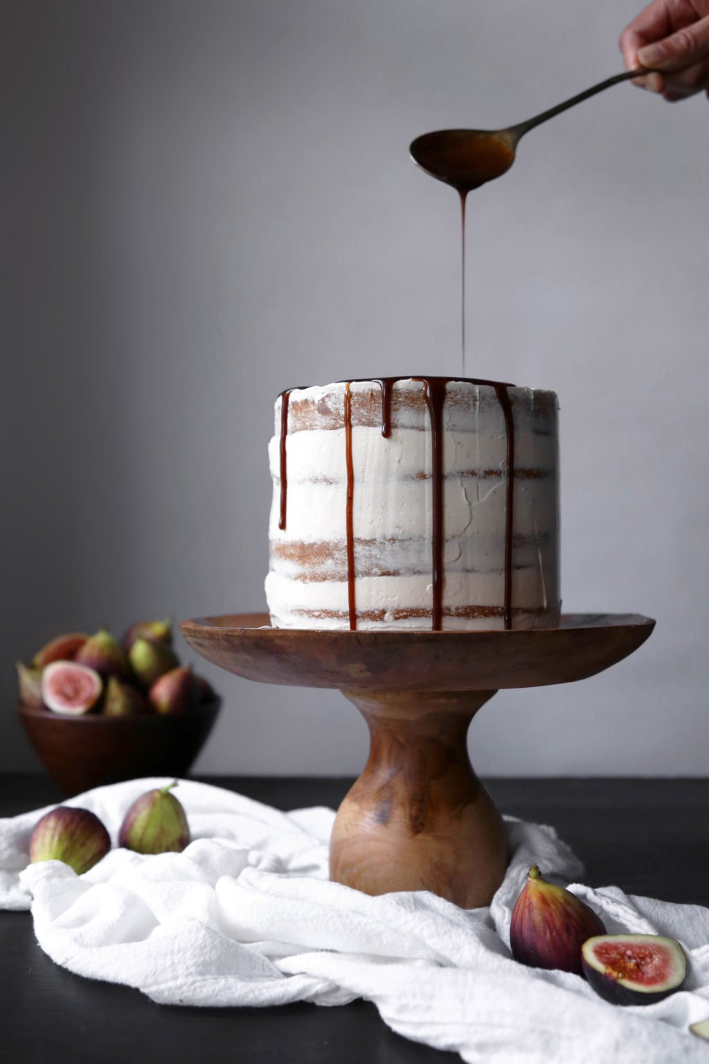 Chai-Spiced Cake with Fresh Figs and Caramel | Free of gluten and refined sugar