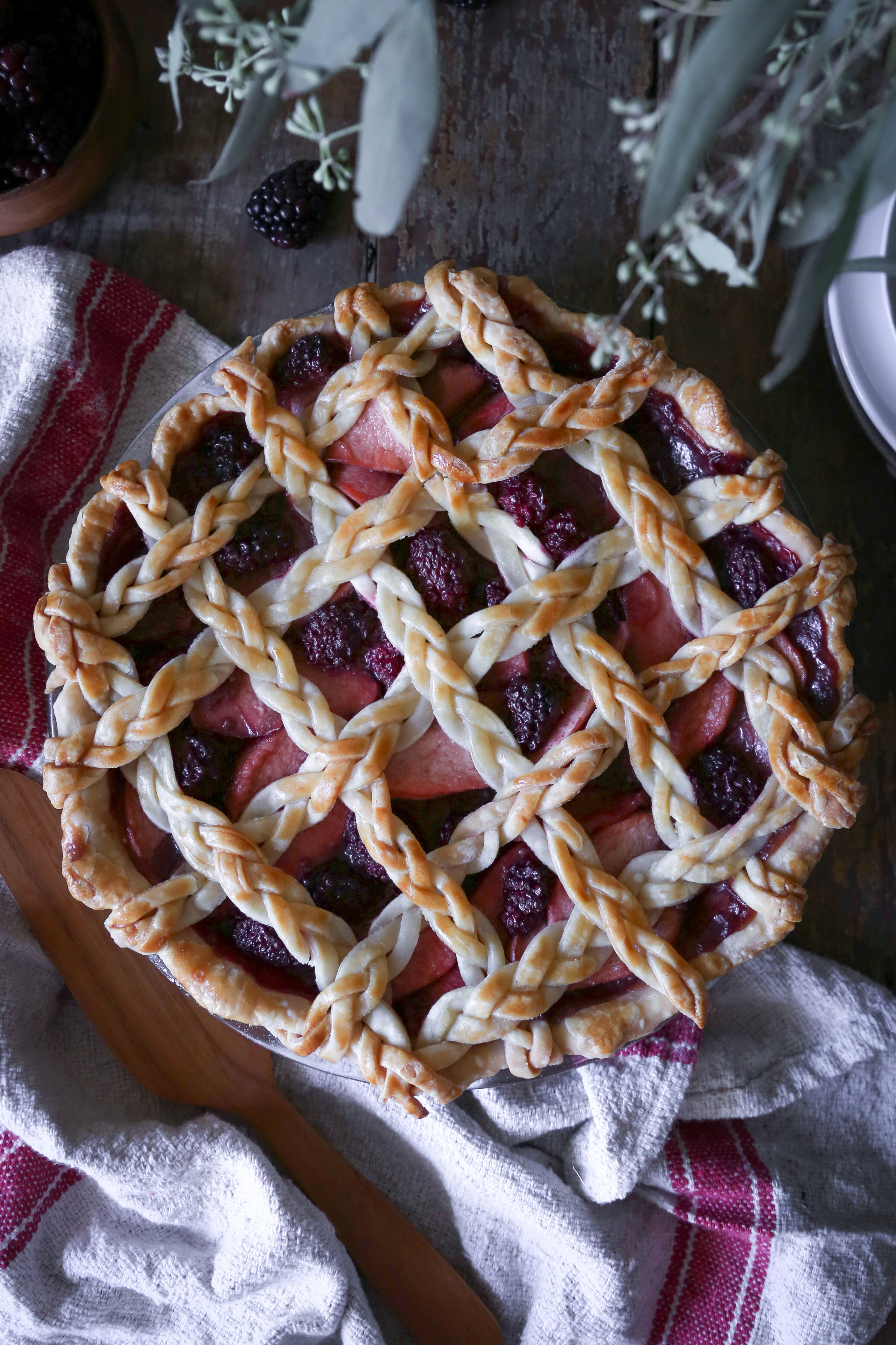 Simple Apple-Blackberry Pie