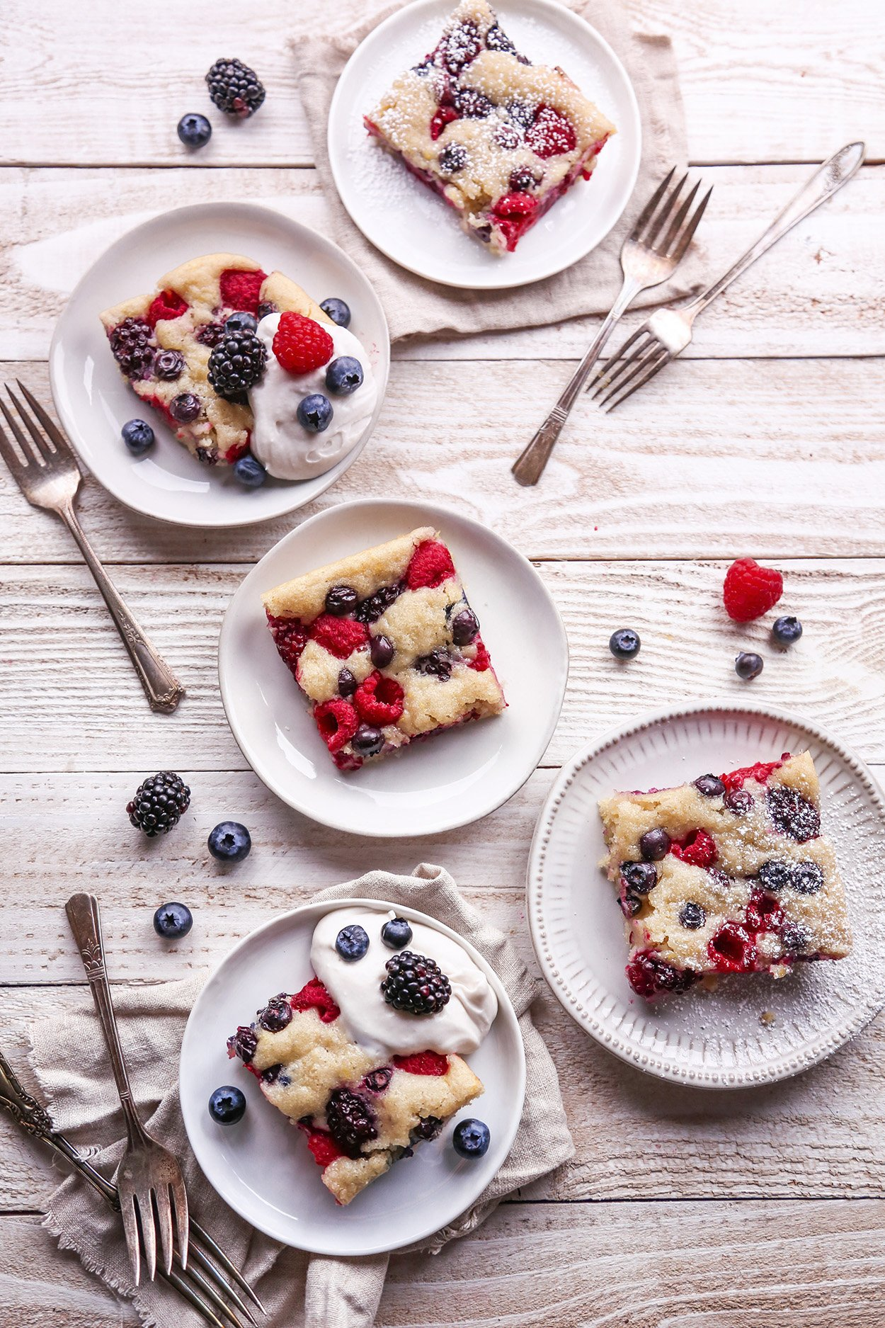 Easy Berry Sheet Cake | Free of gluten, dairy, eggs, and refined sugar, plus vegan friendly