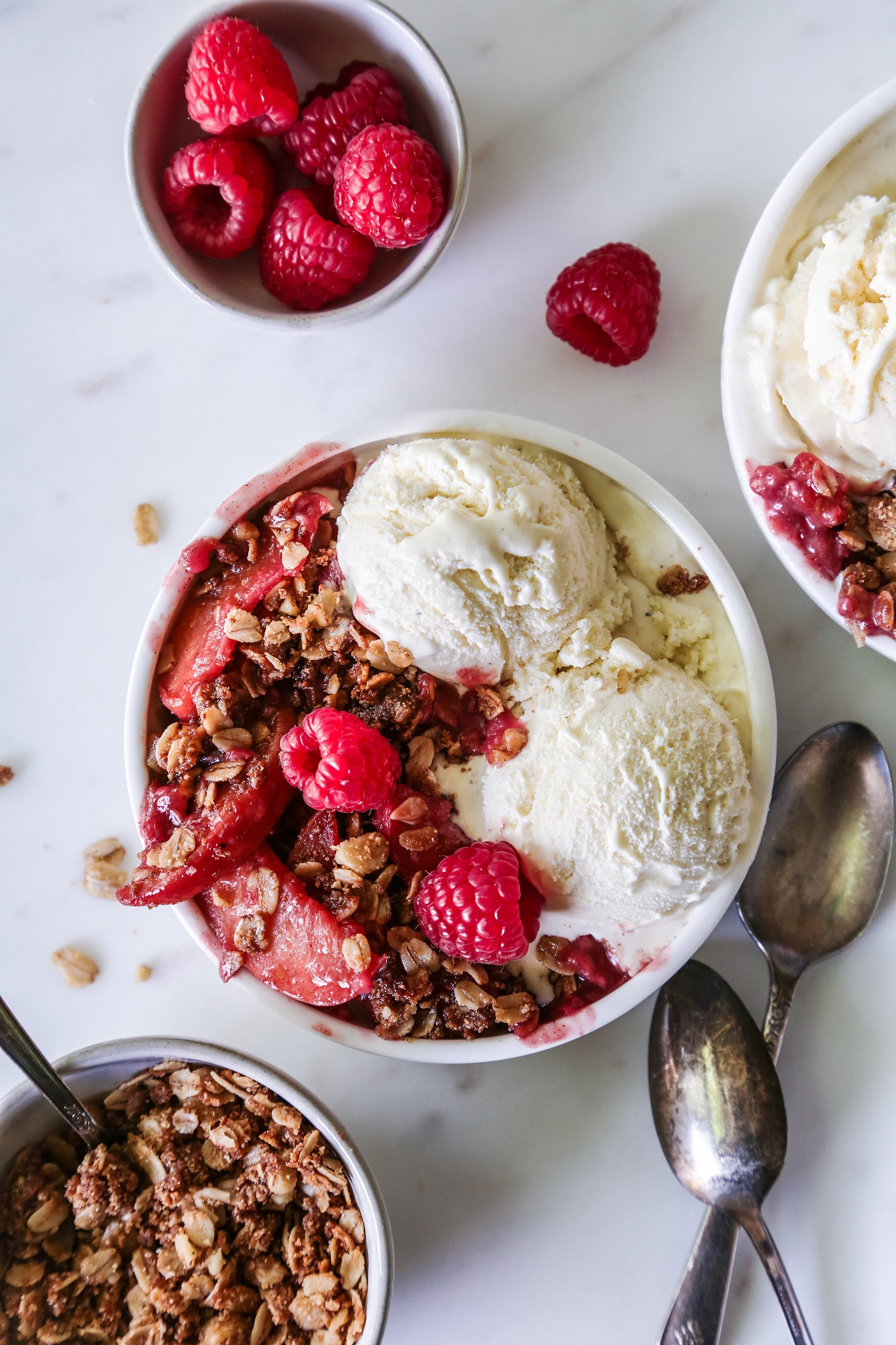 Instant Pot Peach-Raspberry Crisp | Vegan and gluten-free