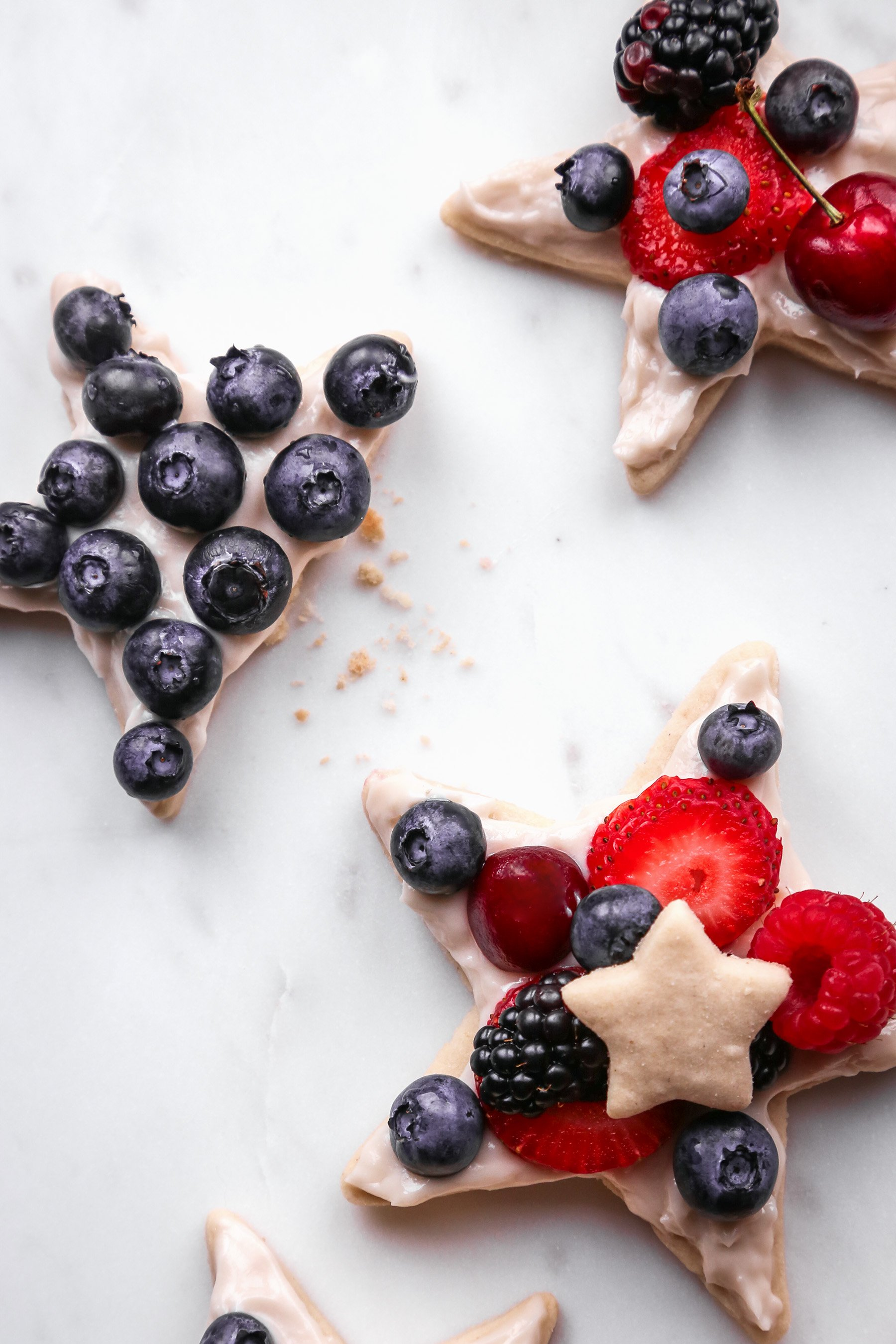 Patriotic DIY Fruit Pizza Platter | Vegan and refined sugar free with gluten-free option