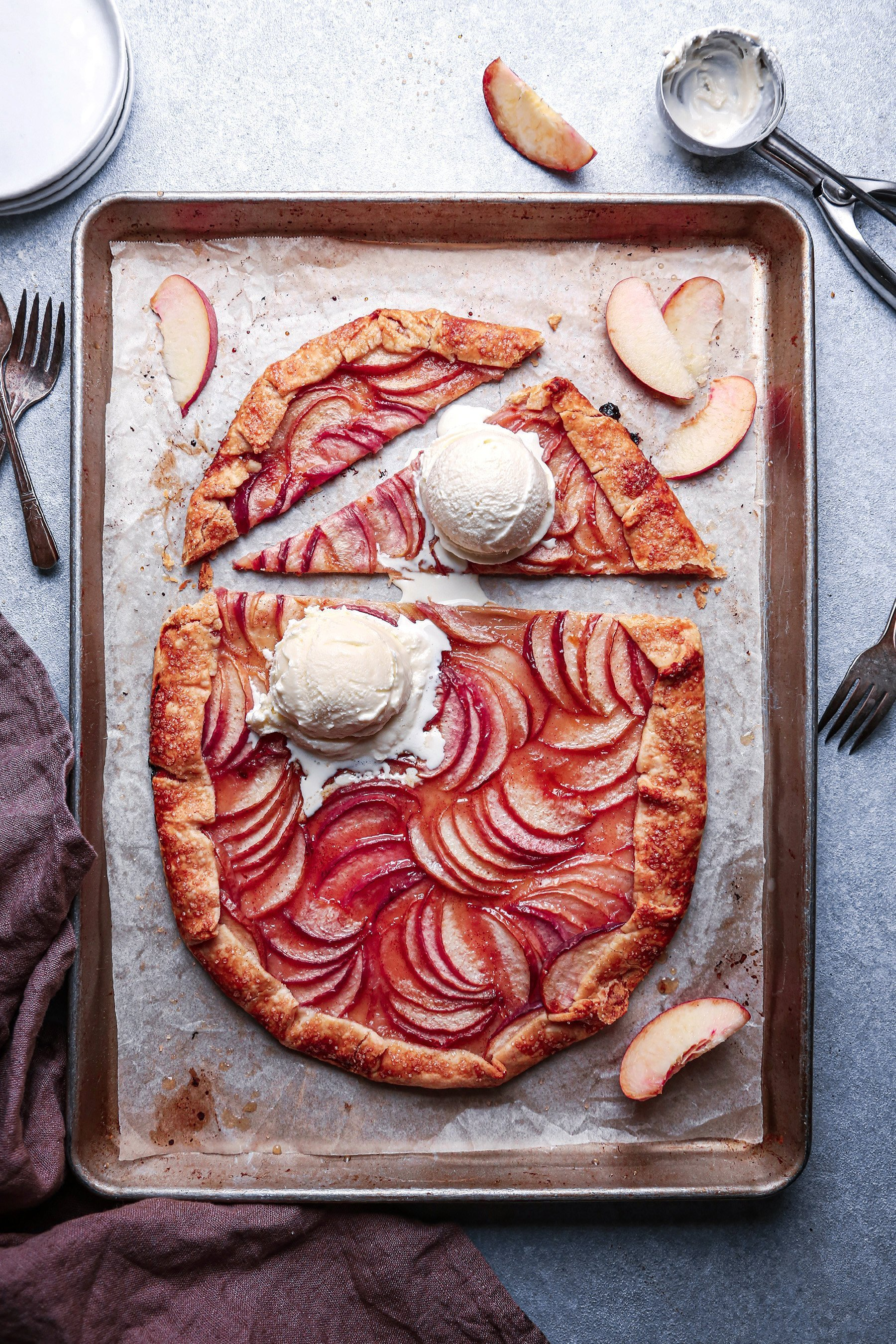 Easy Peach Galette | Wife Mama Foodie
