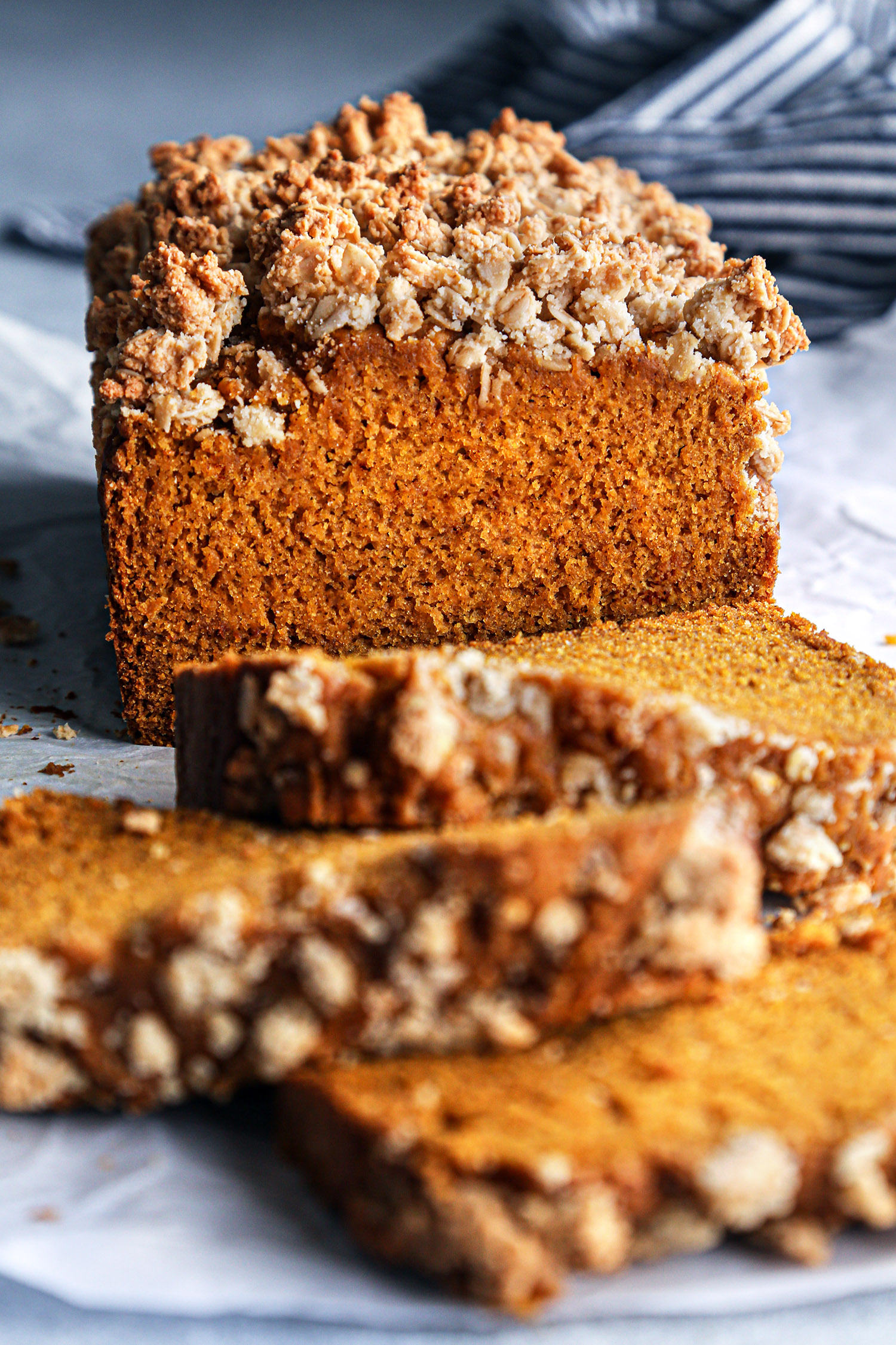 Pumpkin Bread with Oat Streusel | Wife Mama Foodie