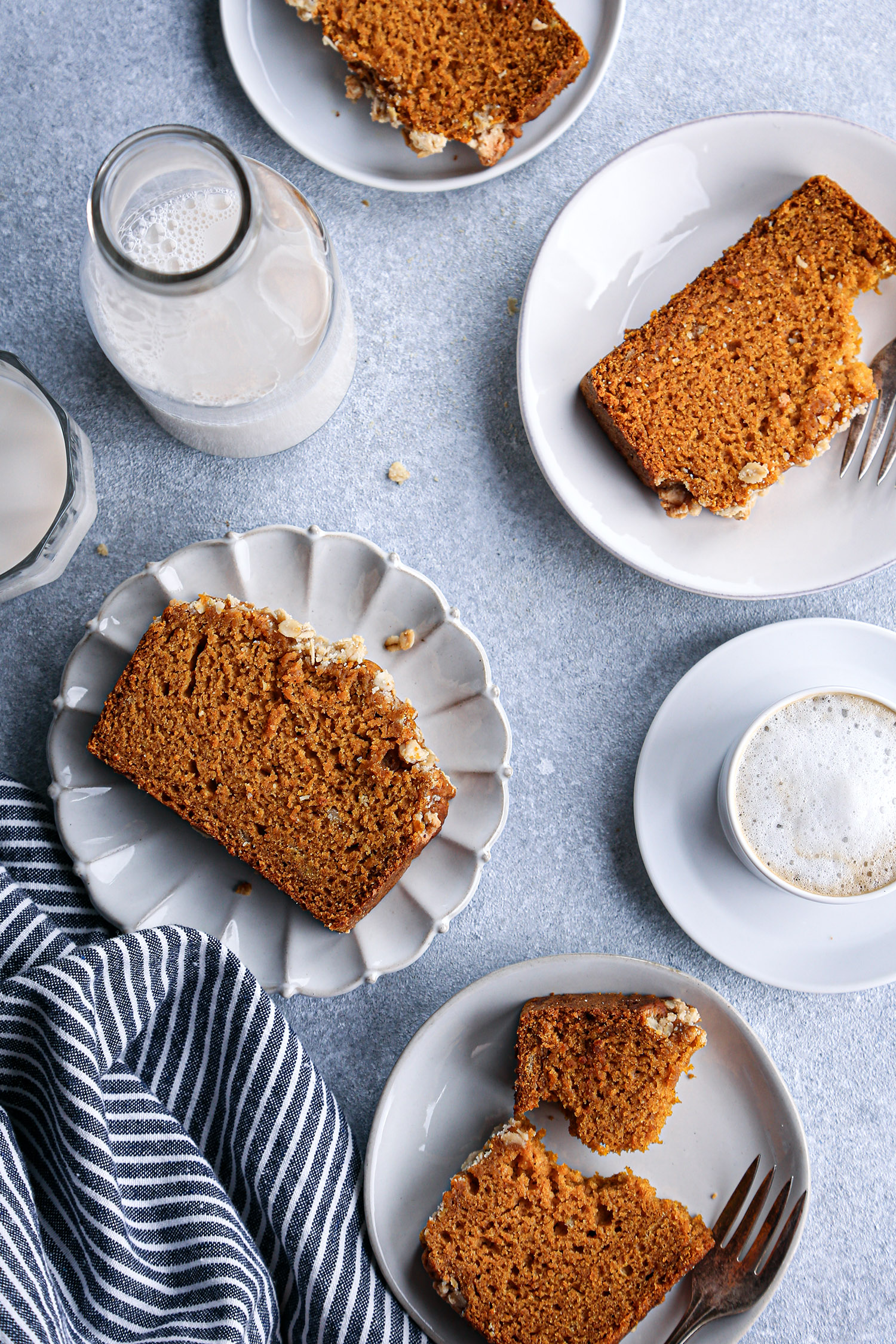 Pumpkin Bread with Oat Streusel | Vegan with gluten free and refined sugar free options.