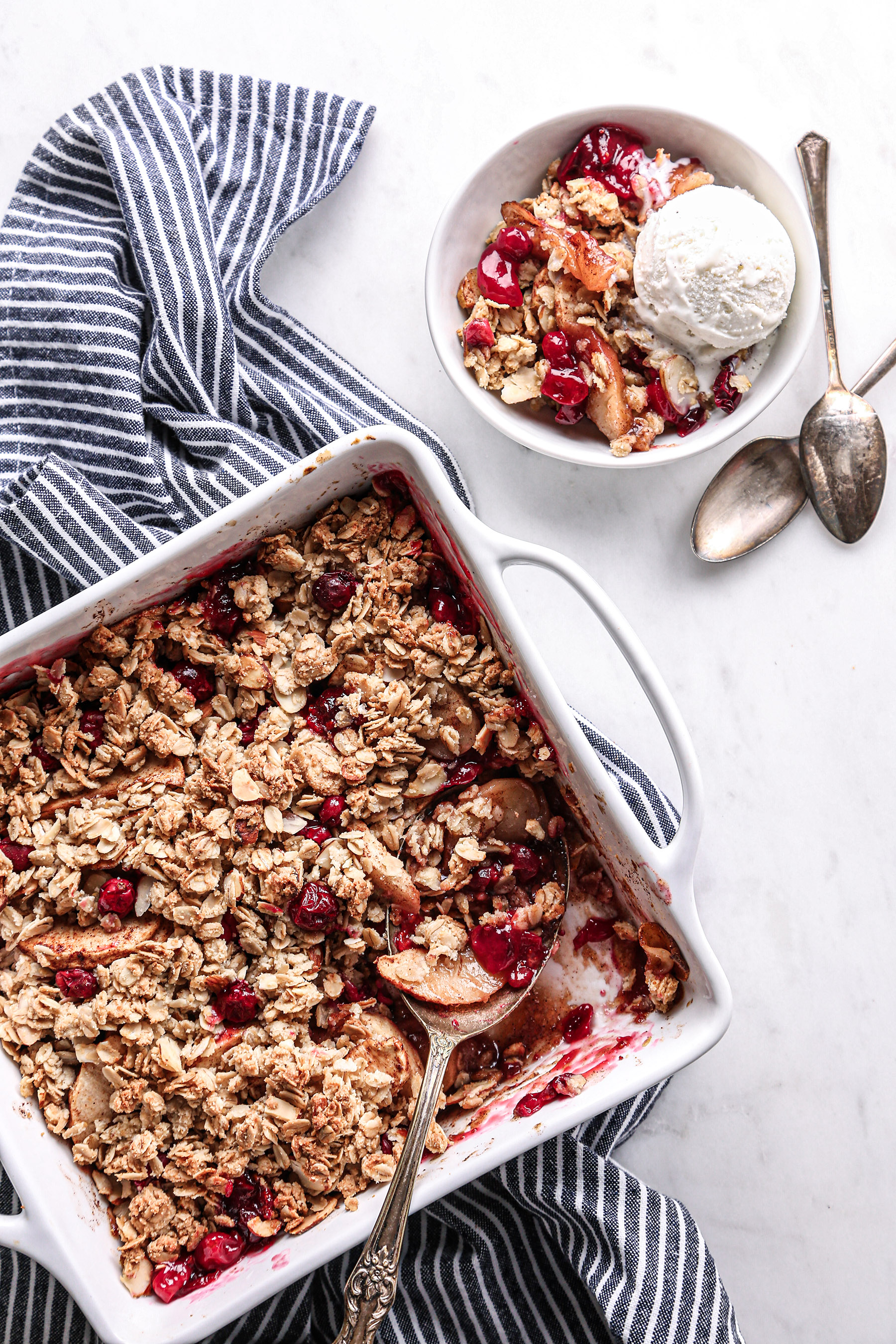 Healthy Apple-Cranberry Crisp | Vegan friendly plus gluten and refined sugar free