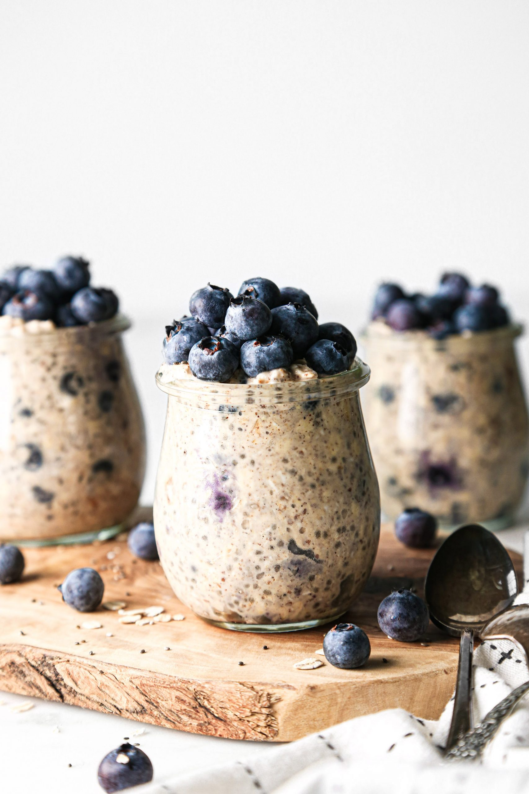 Superfood Overnight Oats with Blueberries | Vegan and Gluten-Free