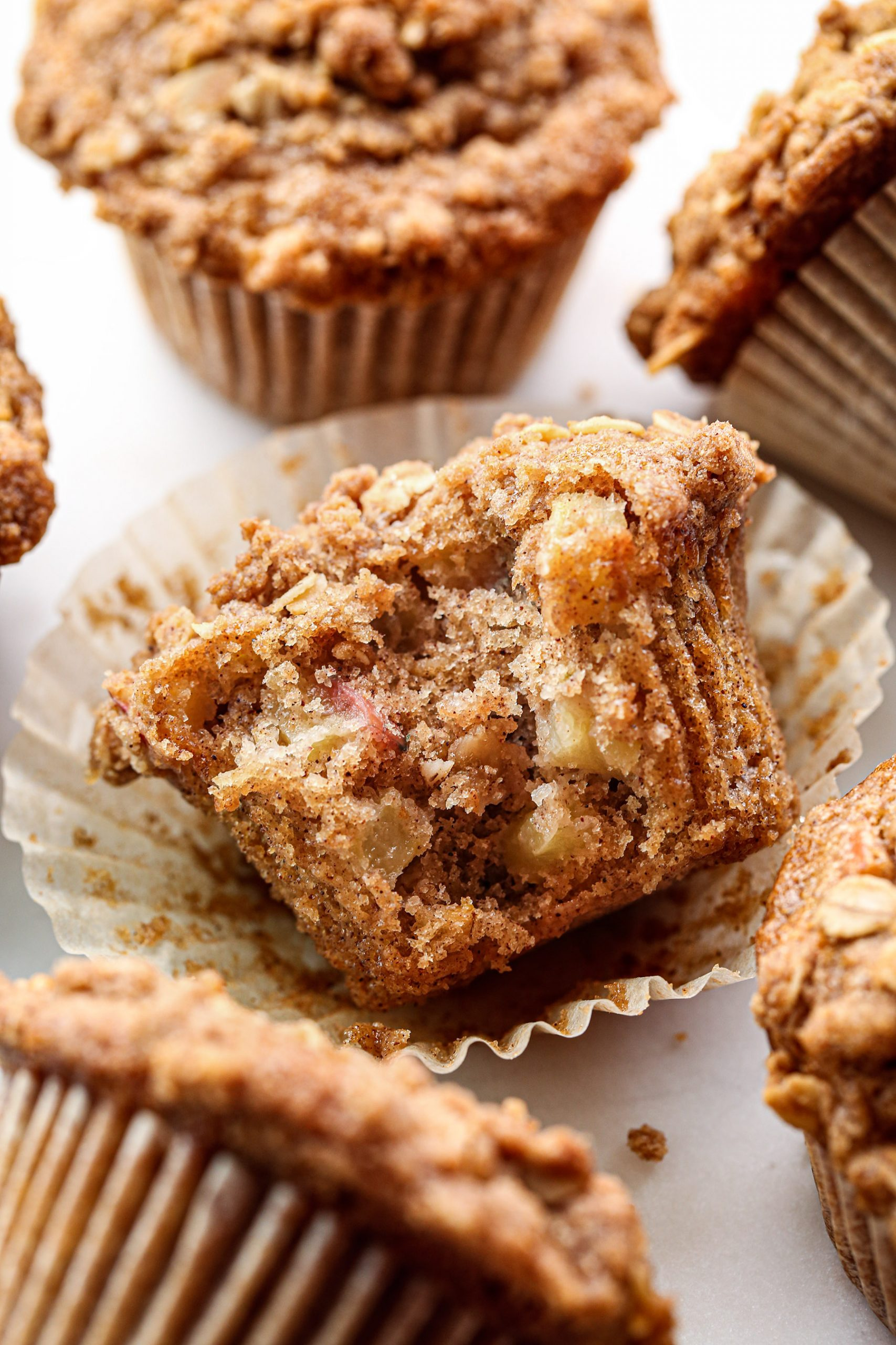 Apple Crumb Muffins Bite | Vegan with gluten and refined sugar free options.